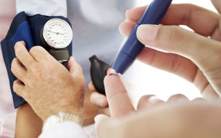 Причины возникновения скрытого диабета, факторы риска, симптомы у женщин, методы профилактики, лечения и потенциальные осложнения