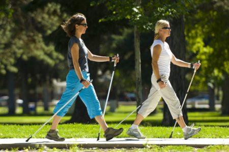 Пациенты с диабетом занимаются спортивной ходьбой